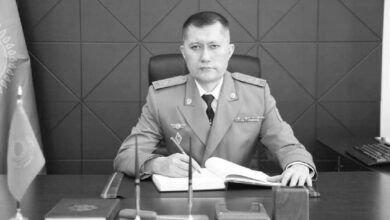 Photo of В Таразе установили мемориальную доску в память о погибшем военном прокуроре
